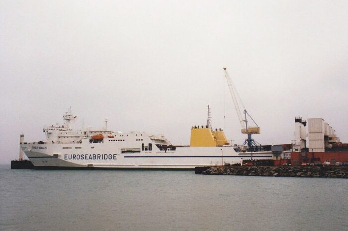 What happened to the ferry Greifswald in Chernomorsk? (VIDEO)