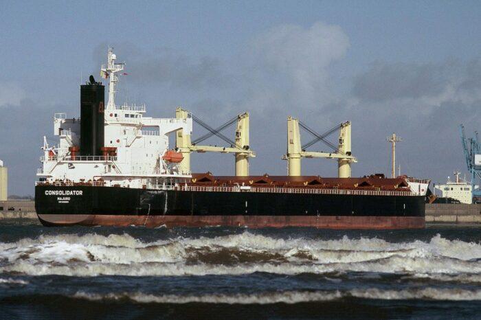 Bulk carrier for Ukrainian grain did not reach Chornomorsk